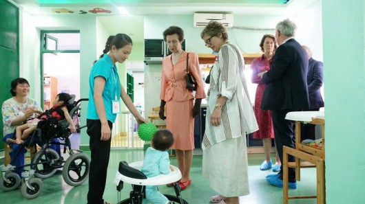 HRH touring the Butterfly House Children's Hospice 2